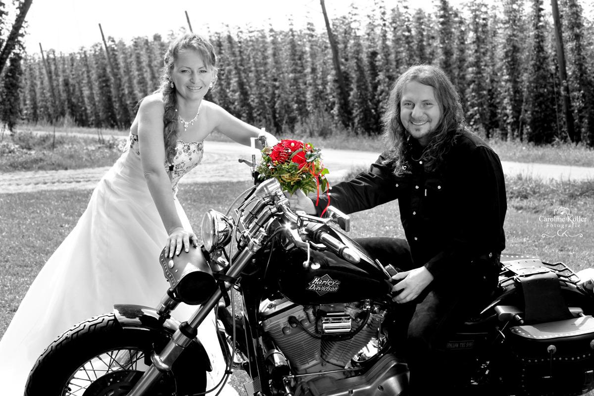 10-Brautpaar-in-schwarzweiss