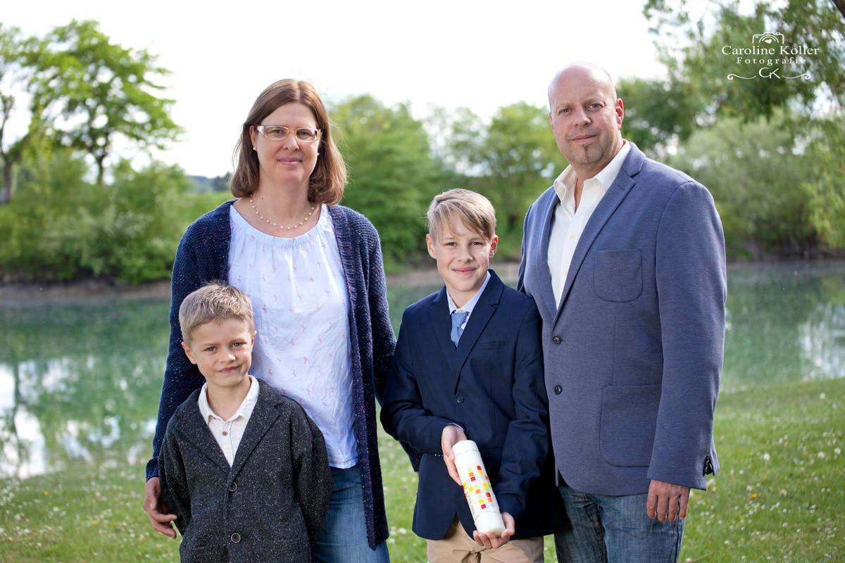 Kommunionsfoto mit Familie